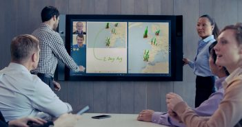 ล้ำหน้าโชว์ Surface Hub จอยักษ์ 84 นิ้วเพื่อสนับสนุนการประชุมจาก Microsoft