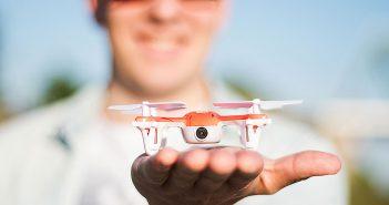 ล้ำหน้าโชว์ SKEYE Mini Drone โดรนจิ๋วขนาดเท่าฝ่ามือ แต่มาพร้อมกล้องวีดีโอคุณภาพระดับ HD !!