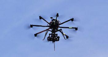 ล้ำหน้าโชว์ drone-351x185 สวีเดนแบนการใช้งานโดรนติดกล้อง