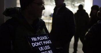 ล้ำหน้าโชว์ fbi-351x185 FBI จ่ายเงินกว่า 31 ล้านบาทเพื่อแฮ็กไอโฟนในคดีซานเบอร์นาร์ดิโน