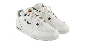 """ล้ำหน้าโชว์ apple-sneaker-cover-351x185 Heritage Auction เตรียมนำ """"รองเท้าแอปเปิล"""" ขึ้นประมูลบนอีเบย์ ราคาเริ่มต้น 510,000 บาท"""
