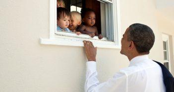 ล้ำหน้าโชว์ barack-obama-351x185 โอมาม่าทวีตสนับสนุนการต่อต้านการเหยียดชาติพันธุ์ กลายเป็นทวีตที่คนกด Like มากที่สุด