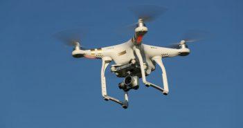 ล้ำหน้าโชว์ dji-drone-351x185 กองทัพบกสหรัฐฯ หยุดใช้โดรนของ DJI หวั่นถูกเก็บข้อมูล