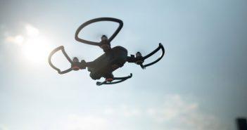 ล้ำหน้าโชว์ drone-351x185 แคลิฟอร์เนียออกกฎหมายห้ามใช้โดรนในการส่งกัญชา