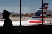 ล้ำหน้าโชว์ american-airlines-214x140 สิ่งเล็กๆ ที่เรียกว่าบั๊ก ส่งผลให้ American Airlines ขาดนักบินในกว่า 15,000 เที่ยวบินในช่วงคริสต์มาส