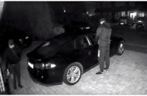 ล้ำหน้าโชว์ ดูและป้องกันไว้! เจ้าของปล่อยคลิปโจรฉกรถ Tesla Model S ที่โดนแฮกตัวกุญแจรีโมท Tesla Model S tesla PIN to drive passive entry Key Fob