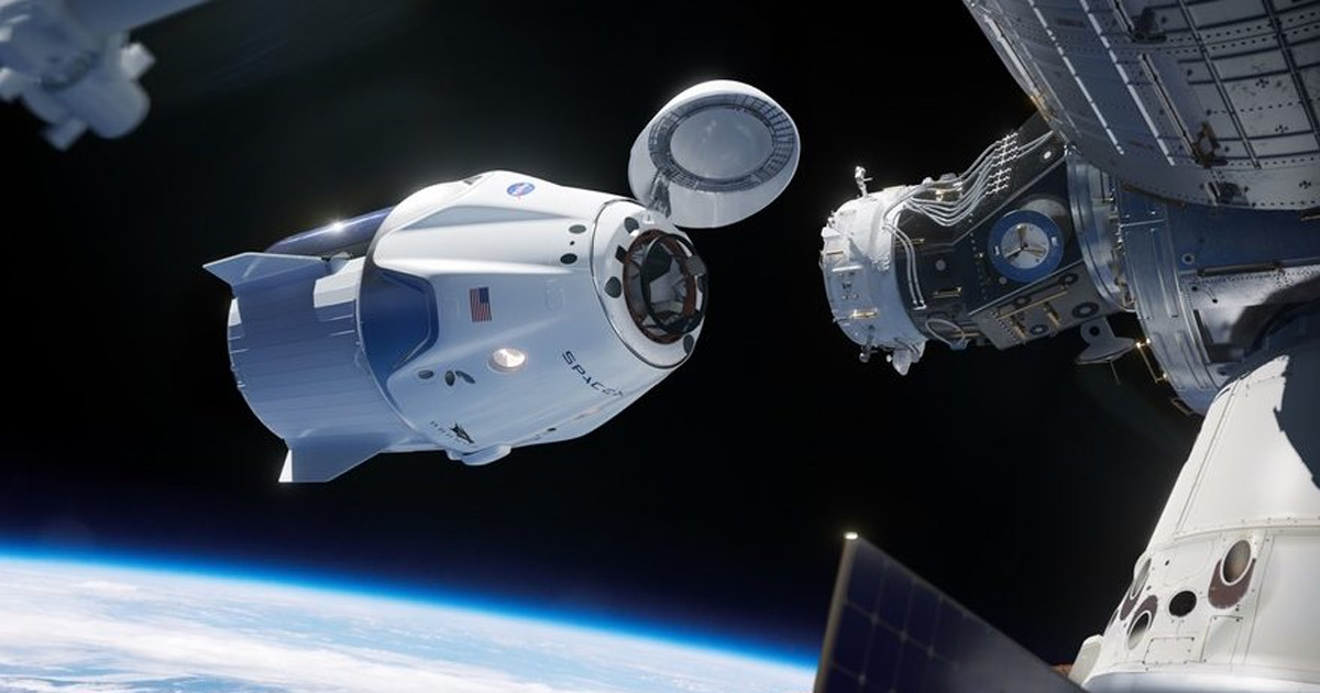 SpaceX Starship commercial flight in 2021